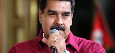 Maduro considera liberar presos políticos y pide unirse por la paz