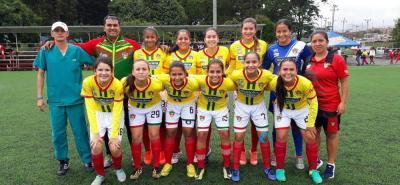 La selección Santander de fútbol femenino, actual campeona de nacional de la categoría infantil, quedó eliminada en la fase final tras perder en sus dos primeras salidas.