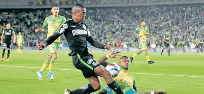 Con un empate sin goles se cerró el primer juego de la Semifinal de la Liga Águila I entre Atlético Huila y Atlético Nacional, que se disputó anoche en El Campín de Bogotá.