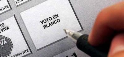 Desde diversos sectores se ha promocionado el voto en blanco, para la segunda vuelta presidencial. No obstante, esta votación no tiene ningún efecto relevante en la decisión final.