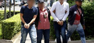 Un juez les dictó medida de aseguramiento a los dos hermanos de 19 y 24 años.