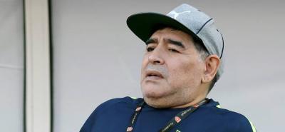 Maradona se operó las rodillas en Colombia