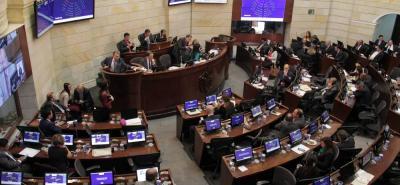 Antes de culminar su periodo, el gobierno de Juan Manuel Santos llamaría al Congreso a sesiones extras, para que apruebe la reglamentación de la Justicia Especial para la Paz.