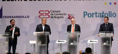 Para el magistrado Armando Novoa, los debates en segunda vuelta son una obligación de los candidatos, porque permiten conocer los programas de gobierno de los candidatos después de hacer coaliciones y alianzas tras la primera vuelta.