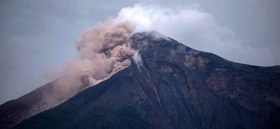 Volcán de Fuego sigue en actividad en Guatemala