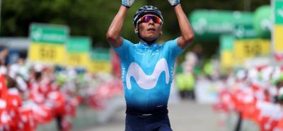 El pedalista colombiano Nairo Quintana del equipo Movistar se impuso de manera brillante en la séptima etapa de la Vuelta a Suiza y se acomodó en el segundo lugar de la general a 17'' del líder, el australiano Richie Porte (BMC).