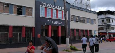 Los documentos se debían entregar en el despacho de la Secretaría General de la Alcaldía de Lebrija, plazo que venció ayer, 15 de junio.