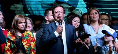 Petro, junto a su fórmula vicepresidencial, Ángela Robledo, llegarán al Congreso de la República.
