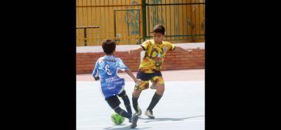 Según las autoridades locales, 1.900 niños en Girón participan en las Escuelas de Formación de Fútbol.