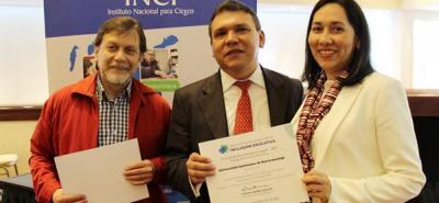 De izquierda a derecha: Gustavo Pulido, subdirector del INCI; Carlos Parra Dussan, director del INCI; y Luz Adriana Villafrade, de la Universidad Autónoma de Bucaramanga.
