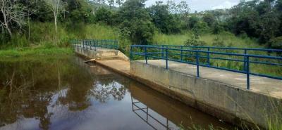 La represa Piedras Negras ha experimentado una baja en sus niveles de llenado por la falta de lluvias.
