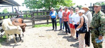 Los alcaldes de las cinco localidades beneficiadas con el convenio visitaron Puerto Parra, para hacer un seguimiento conjunto al desarrollo de las unidades productivas.