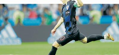 Croacia tendrá a sus dos figuras: Luka Modric (foto) e Iván Rakitic, y además contará con el delantero estrella, Mario Mandzukic, quien protagonizará el duelo de artilleros contra el inglés Harry Kane, el goleador del Mundial de Rusia con 6 anotaciones.
