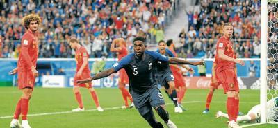 Francia jugará la final del Mundial de Rusia 2018 al superar a Bélgica (1-0) con un cabezazo del central Samuel Umtiti tras un saque de esquina. El conjunto 'galo' jugó sus cartas al contragolpe y frenó en seco el sueño de la 'generación dorada' del fútbol belga.