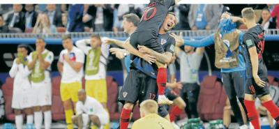Mandzukic convirtió el gol más importante en la historia del fútbol croata. El delantero le ganó la espalda a los zagueros ingleses y de pierna izquierda envió el balón a la red para poner a celebrar a su país.