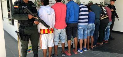 La banda de San Martín se dedicaba, según las autoridades al cobro de extorsiones a comerciantes, a quienes exigían entre $150.000 y $800.000 por no atentar contra sus vidas.