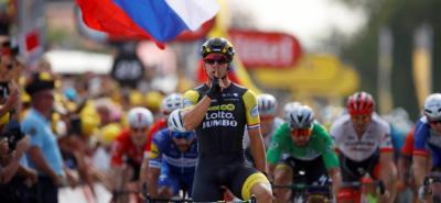 El holandés Dylan Groenewegen se impuso ayer en la séptima etapa del Tour de Francia 2018, superando al colombiano Fernando Gaviria en un duelo de poder a poder en el remate de la jornada más extensa de la Ronda Gala, con 231 kilómetros.