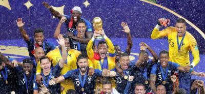 Francia derrotó 4-2 a Croacia y se coronó campeón por segunda vez en su historia