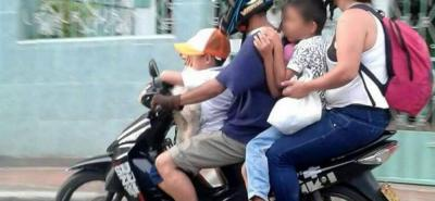 Las imprudencias de los motociclistas también ponen en riesgo las vidas de los menores de edad.