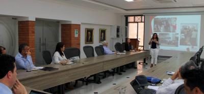 """Presentación del modelo """"Caracterización de los migrantes venezolanos en el área metropolitana de Bucaramanga"""", a la delegación del Gobierno Nacional."""