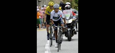 En 2013, Nairo Quintana le sacó 1':06'' a Chris Froome al coronar el Alpe d'Huez; mientras que en 2015 lo venció por 1':20''.