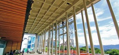 Así se venía el gran salón hace poco más de un mes, en su fase final de construcción.