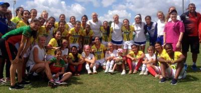 La selección Santander Infantil de fútbol femenino conquistó la tercera victoria, en igual cantidad de partidos, en el Mundial Disney, que se desarrolla en Estados Unidos.