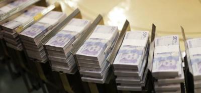 """El CNE ordenó el """"descuento y la suspensión de recursos de financiación política""""."""