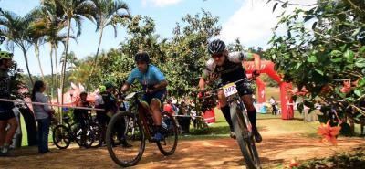 Jorge Lizarazo (302) fue el vencedor en la categoría máster A de la I Válida de la Copa XCO Santander de ciclomontañismo que se disputó ayer en el Club Casa de Campo.