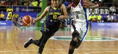 La socorrana Mábel Susana Martínez (arriba) y la sangileña Tania Acosta (abajo) fueron las santandereanas que hicieron parte de la selección Colombia de baloncesto, oro Centroamericano.
