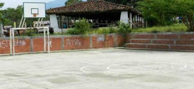 Uno de los focos de insegurdiad del sector es la zona de los kioscos y la cancha, lo que resalta la importancia del proyecto de recuperación del polideportivo.