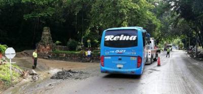 Habilitan tránsito en la vía entre San Gil y Bucaramanga