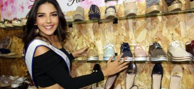 Gracias a una alianza, hasta el 2025, los fabricantes santandereanos confeccionan los calzados de las candidatas del Reinado Nacional de Belleza, así como a la ganadora durante su año de reinado.