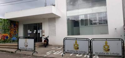 El Centro Cultural o Casa de la Cultura de Lebrija funciona en la calle 13 # 6-35, en el barrio Centro.