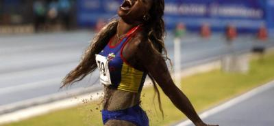 Caterine Ibargüen consiguió ayer su primera medalla de oro en los Juegos Centroamericanos y del Caribe - Barranquilla 2018, al derrotar a Chantel Malone, de las Islas Vírgenes Británicas (campeona defensora de la prueba) y a Alysabeth Félix de Puerto Rico.