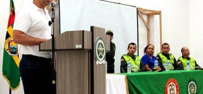El alcalde Sergio Valenzuela presidió el acto de entrega de las cámaras y prometió la adquisición de otros ocho dispositivos entre este año y el próximo.