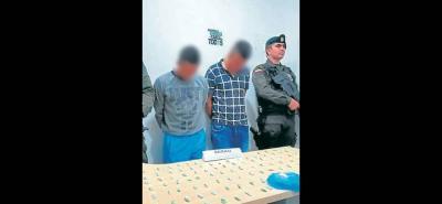 Los dos detenidos deberán responder por tráfico de estupefacientes.
