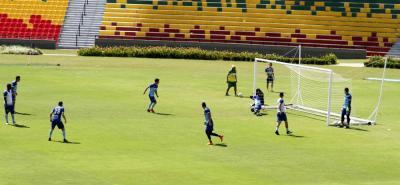 Durante los entrenamientos de la semana, Atlético Bucaramanga hizo énfasis en la finalización de las jugadas, uno de los aspectos donde falló con Junior y Once Caldas.