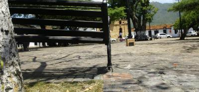 La plazoleta de las Nieves estaría siendo usada como refugio por los consumidores de alucinógenos y habitantes de la calle. Los vecinos esperan mayor pie de fuerza en el sitio turístico.