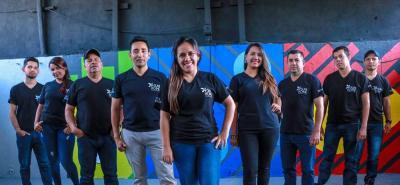 Suni Chacón cuenta en su equipo con diseñadores interiores, pintores y preparadores, carpinteros e instaladores que trabajan en su propio centro de diseño.