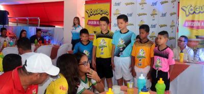 El lanzamiento de la Copa Yogurcito estuvo acompañado por las directivas de Freskaleche, medios de comunicación, delegados, algunos jugadores y personalidades de la ciudad.