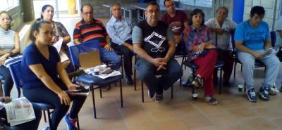 Los líderes comunales se reunieron con directivos de Veolia, pero según la queja, tras las reunión siguieron las dudas.