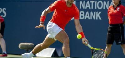 Rafael Nadal derrotó ayer al griego Stefanos Tsitsipas y se adjudicó el título del Masters 1.000 de Toronto, Canadá, y elevó a 80 sus coronas, ratificándose como el cuarto tenista más ganador de la era abierta, tras Jimmy Connors, Roger Federer e Ivan Lendl.