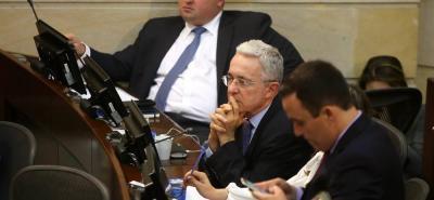 Corte no ha entregado todas las pruebas en la investigación contra Uribe