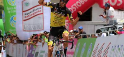 El pedalista antioqueño Frank Yair Osorio del equipo Strongman - Coldeportes se impuso ayer en la octava etapa de la Vuelta a Colombia que arribó a Barichara, tras 207 kilómetros de recorrido desde Tunja.