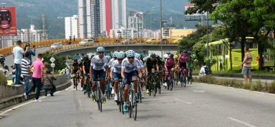 Tras el paso de la Vuelta a Colombia reabrieron la autopista y la carrera 27