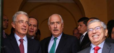 Expresidente Uribe, Gaviria y Pastrana acordaron agenda legislativa del país