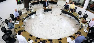 Los concejales de la Comisión Primera o de Hacienda del Concejo no llegaron a la sesión, por lo que se aplazó el inicio de los debates en el tercer periodo de sesiones extras.