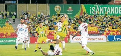 Atlético Bucaramanga perdió 2-0 ante Tolima en calidad de local, resultado que generó la salida del entrenador Carlos Mario Hoyos, quien en cinco encuentros al frente del equipo registró un triunfo, un empate y tres derrotas.