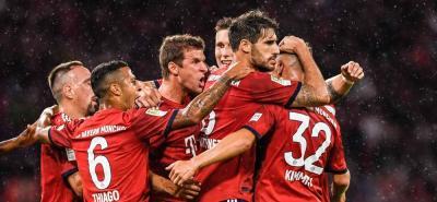 Los jugadores del Bayern Múnich celebran uno de los goles que marcaron en la victoria 3-1.